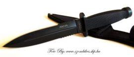 Klasszikus formavilágú deszant kés  Dagger